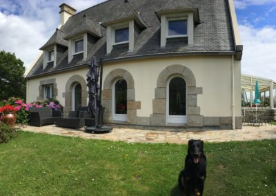 menuiserie-fouesnantaise-fenetres-porte-garage-cloture-portail-store-fouesnant-finistere-400x284