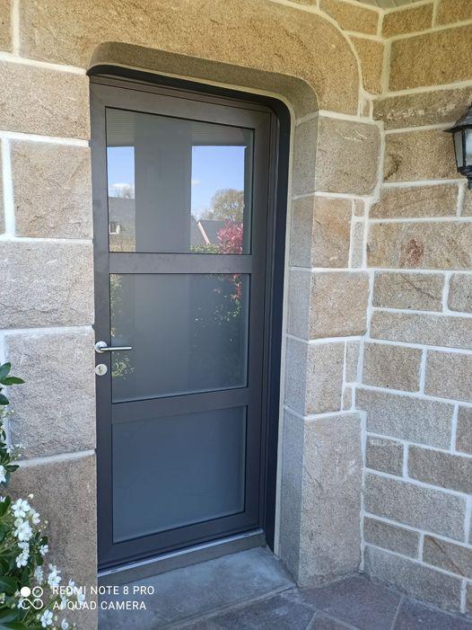 Porte d'entrée vitrée mixte (a…
